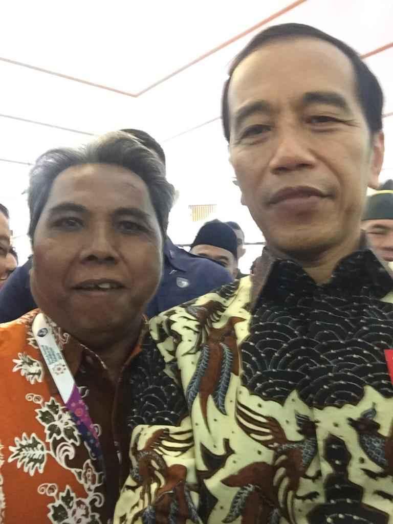 Kadisdikbud Situbondo selfi bersama Presiden Joko Widodo di acara Rembuk Nasional Kemdikbud 2019
