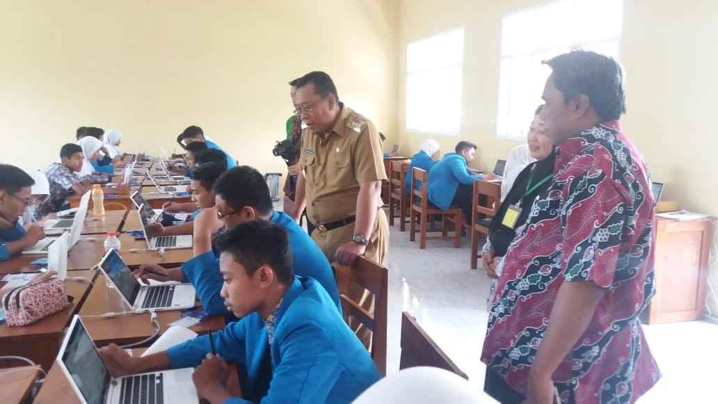 Dispendikbud Apresiasi Semangat SMP Swasta UNBK